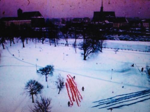 Józef Hałas, Malarstwo na śniegu, wideo (kadr), 1971