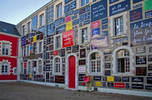 fot. Blois (Loir-et-Cher) Le mur de Ben (1995). 6, rue Franciade