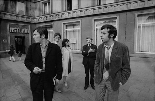 Jerzy Ludwiński, Andrzej Turowski, Zdzisław Jurkiewicz, Maria Michałowska, Włodzimierz Borowski, Poznań - ok. 1970. Photo: Tadeusz Rolke. Collection MWW