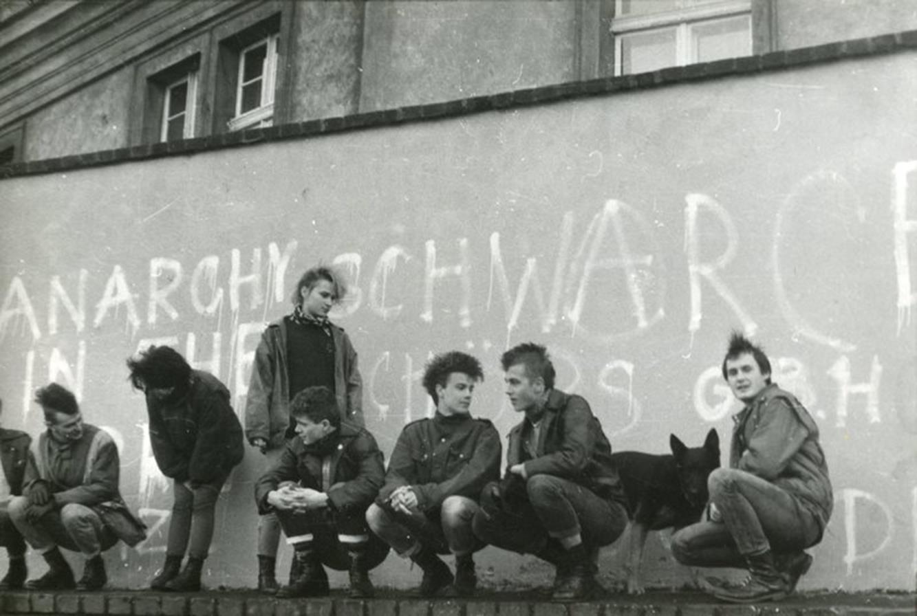 Punks Banditen Brigade, Ostrów Tumski, Wrocław, 1990, photo by Małgorzata Helikopter. Courtesy of Daniel Miszkurek