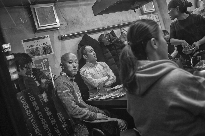 Lektor Hirotomo, na co dzień nauczyciel Japońskiego, w swojej ulubionej restauracji Okonomiyaki (Hiroszima)
