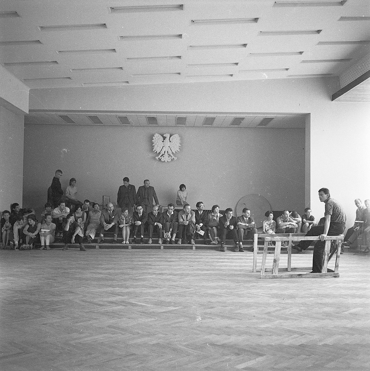 "Eustachy Kossakowski, 1st Symposium of Visual Artists and Scientists ""Art in a Changing World"", Puławy, 1966 © Anka Ptaszkowska, Paulina Krasińska. The negatives are owned by the Museum of Modern Art in Warsaw"