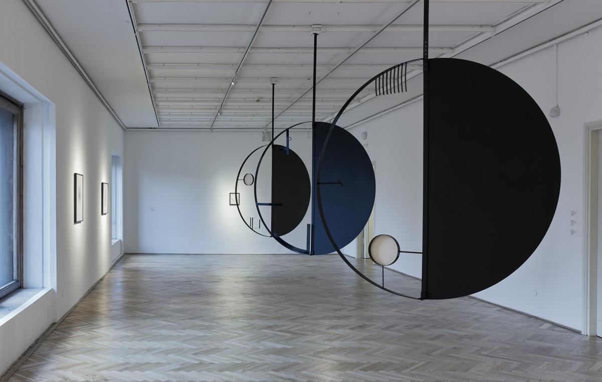 "Marlena Kudlicka, Apostrophe, Catastrophe, Participle ""0"" ; ""T"" ; ""II"", 2020, powder coated steel, 240 x 150 x 4.5cm (each hanging sculpture), © Marlena Kudlicka, photo Błażej Pindor, courtesy of the Galeria Studio"