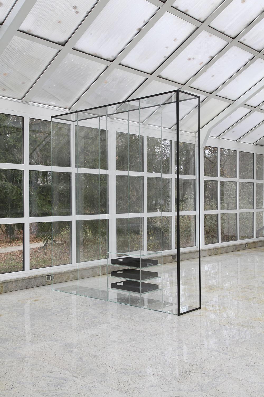 Marlena Kudlicka, Elements of Peaceful Engagement. phrase insert, 2017, sculpture, 240 x 216 x 40 cm, powder coated steel, glass, © Marlena Kudlicka, courtesy: Centre of Polish Sculpture in Orońsko