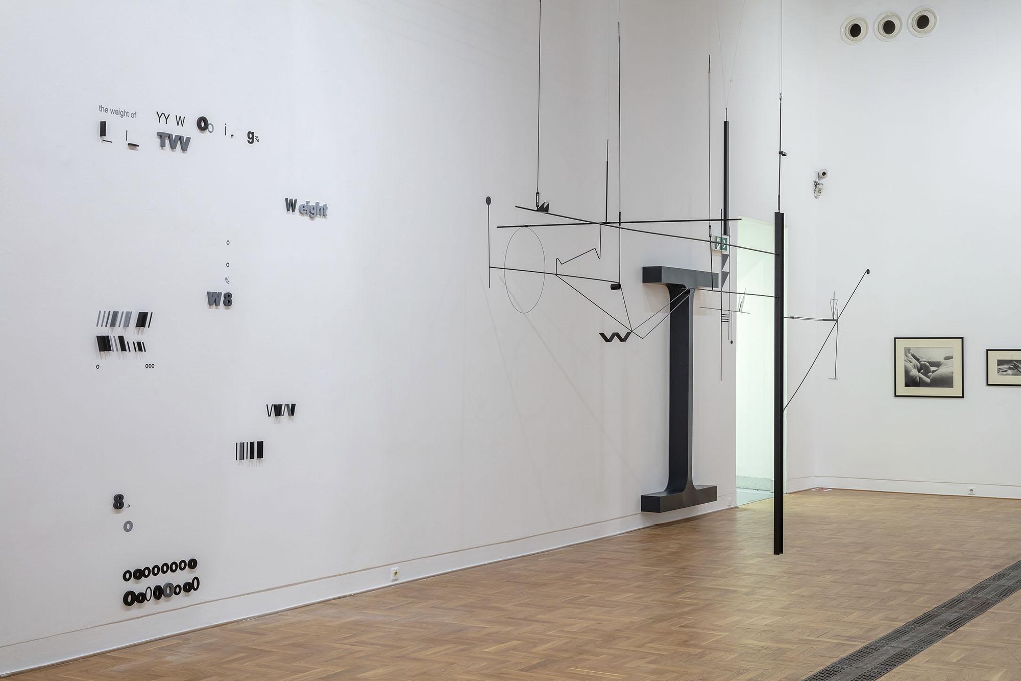 Marlena Kudlicka, the weight of 8, 2014/2020, site specific sculptural installation powdercoated steel, © Marlena Kudlicka, photo: Daniel Rumiancew, courtesy: Zachęta – National Gallery of Art, Warsaw